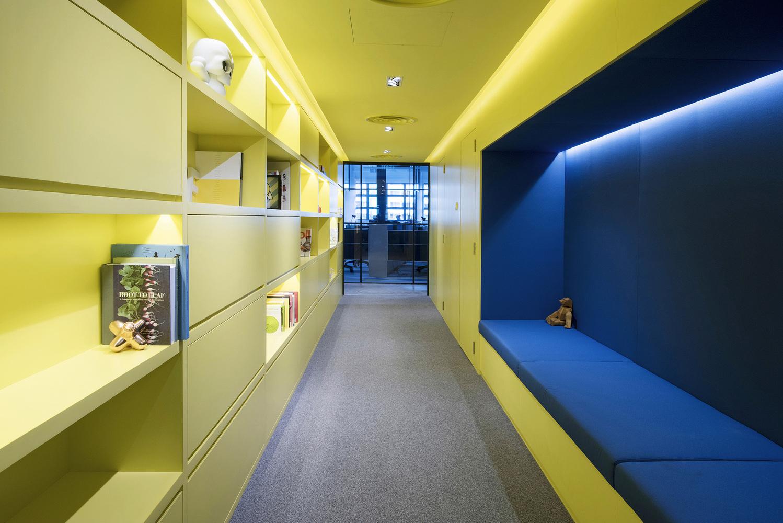 HONESTBEE_library_alley