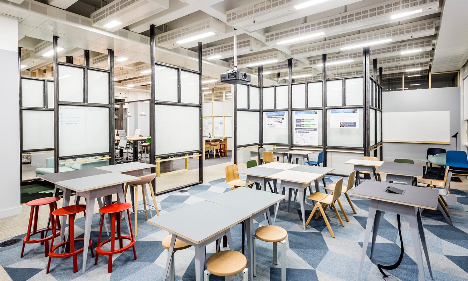 APA designs raw and robust collaborative office space for Barclaycard-办公