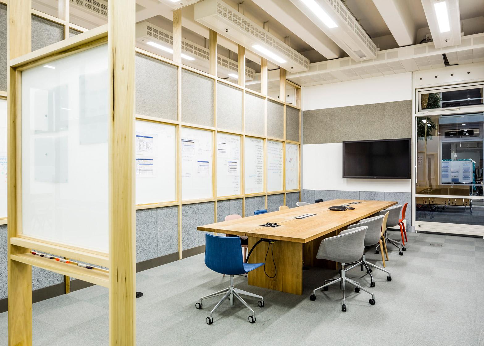 barclaycard-agile-workplace-APA-london-interior-design-_dezeen_1568_14