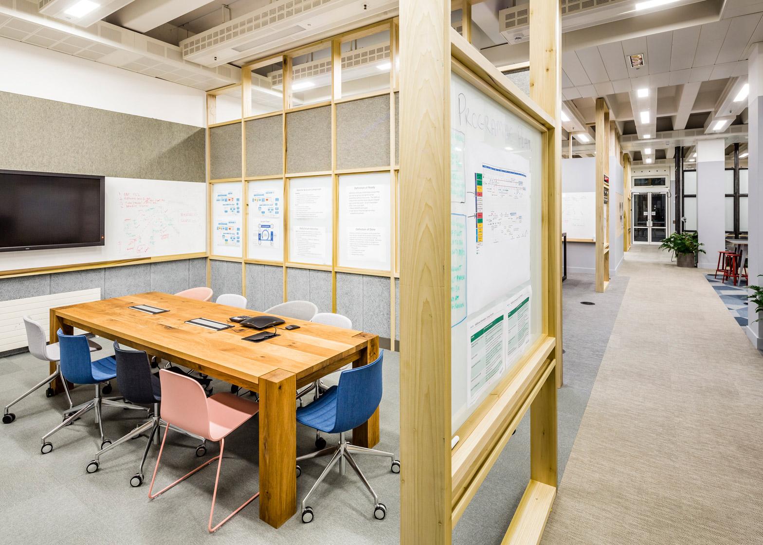 barclaycard-agile-workplace-APA-london-interior-design_dezeen_1568_10