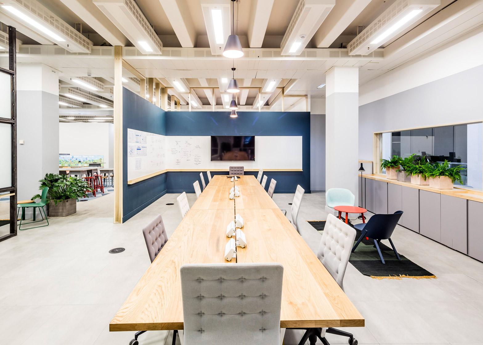 barclaycard-agile-workplace-APA-london-interior-design_dezeen_1568_13