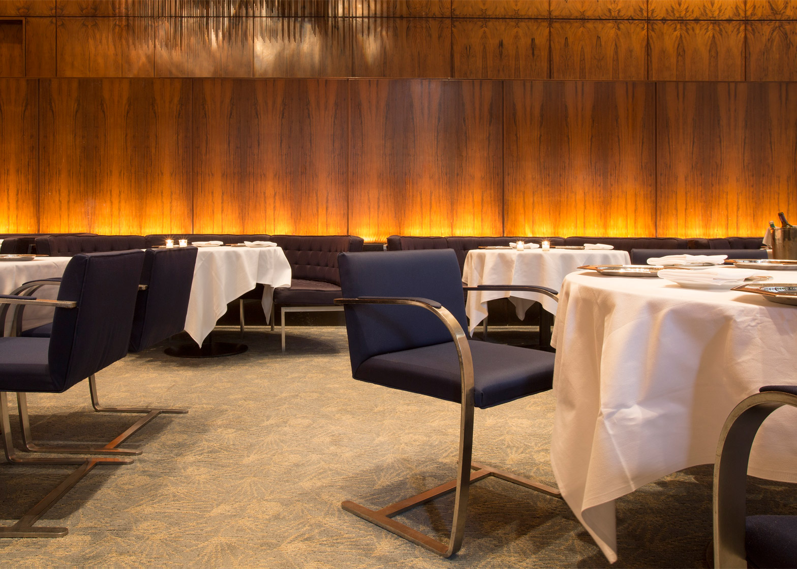 four-seasons-restaurant-interior-seagram-building-philip-johnson-mies-van-der-rohe-auction-new-york-city-usa-news_dezeen_1568_4
