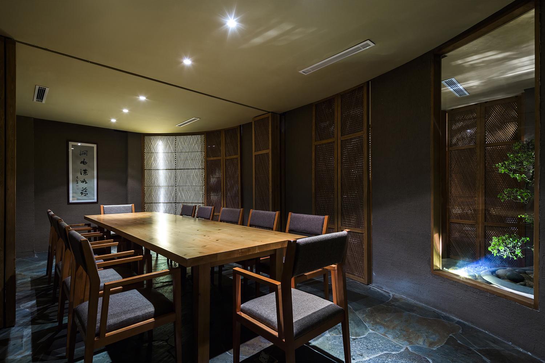 08_Big_Dining_room_OKI