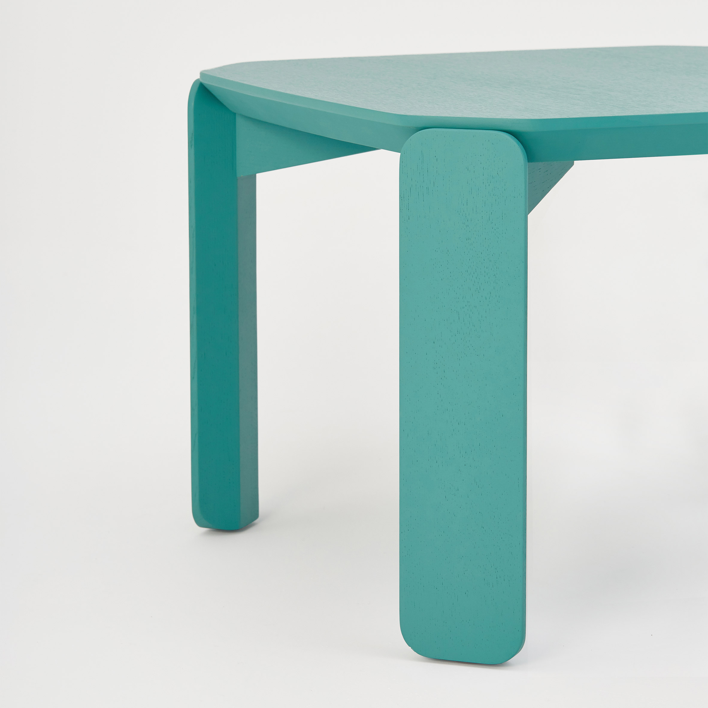 45-table-system-inyard-la-selva-design-furniture_dezeen_2364_col_6
