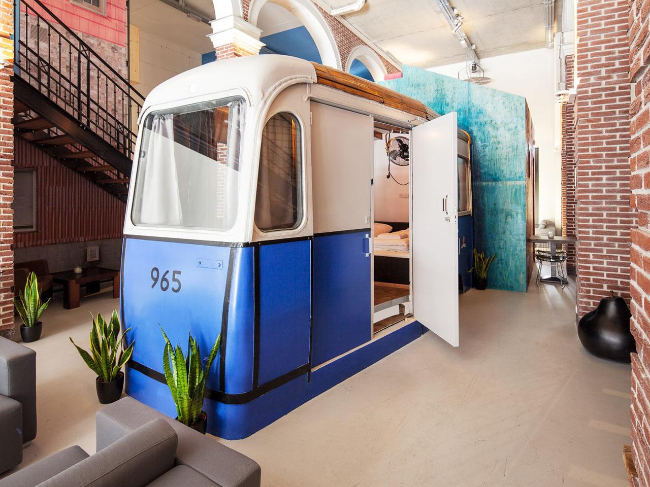 Destin-Hotel-Not-Hotel-8-tram