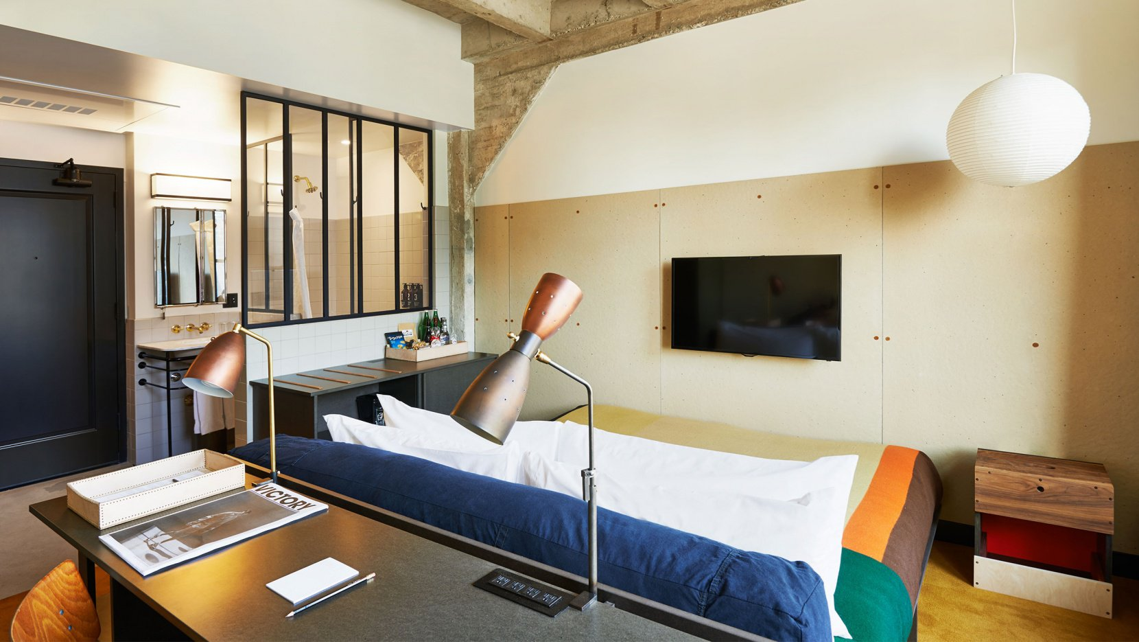 big_ace-dtla-spencer-lowell-small-room