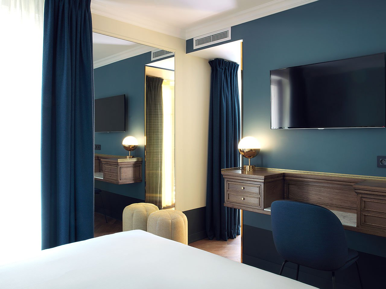 f3_hotel_bachaumont_paris_photo_paul_bowyer_yatzer