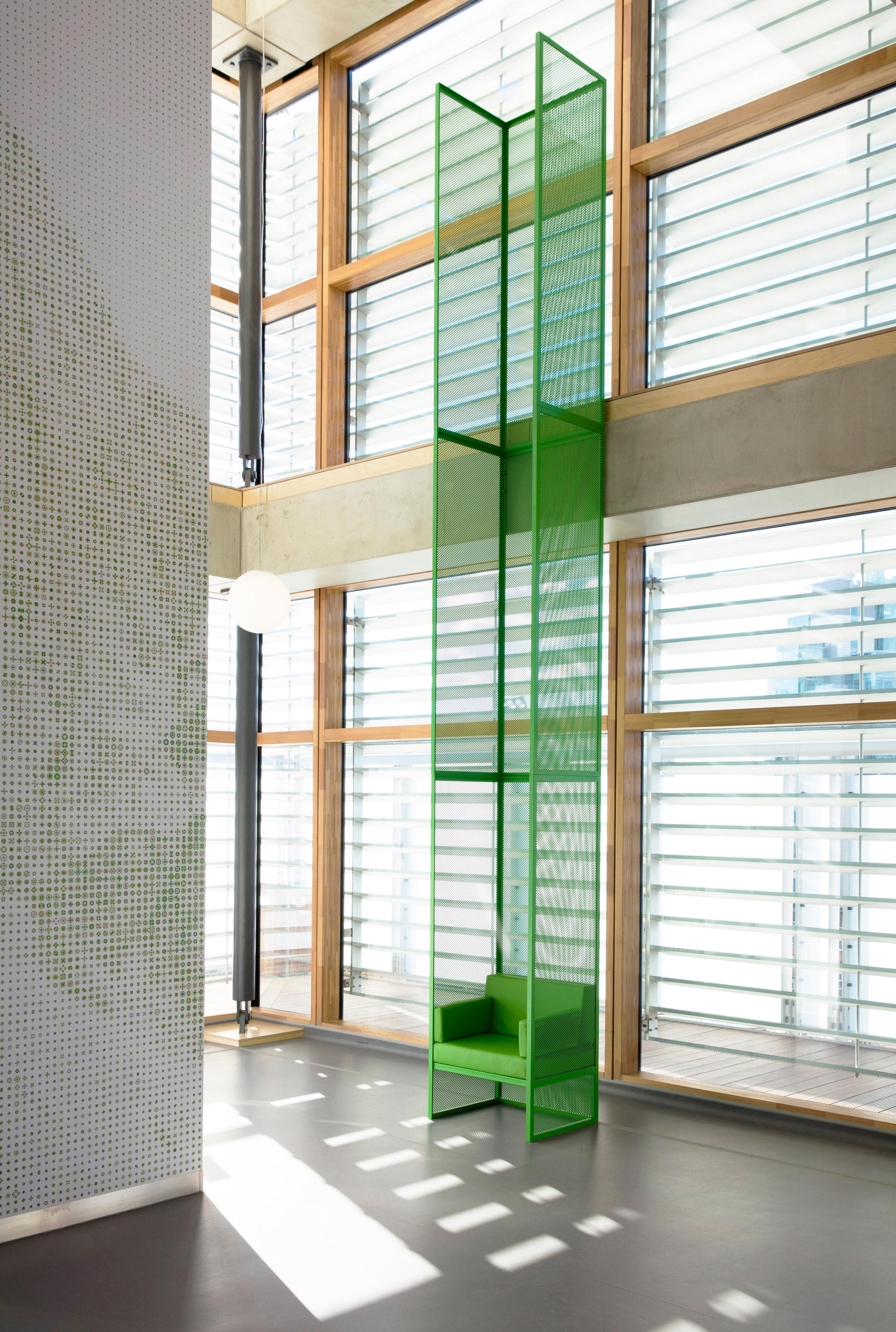 guys-cancer-centre-interiors-london-bridge-uk-gitta-gschwendtner_dezeen_2364_col_6