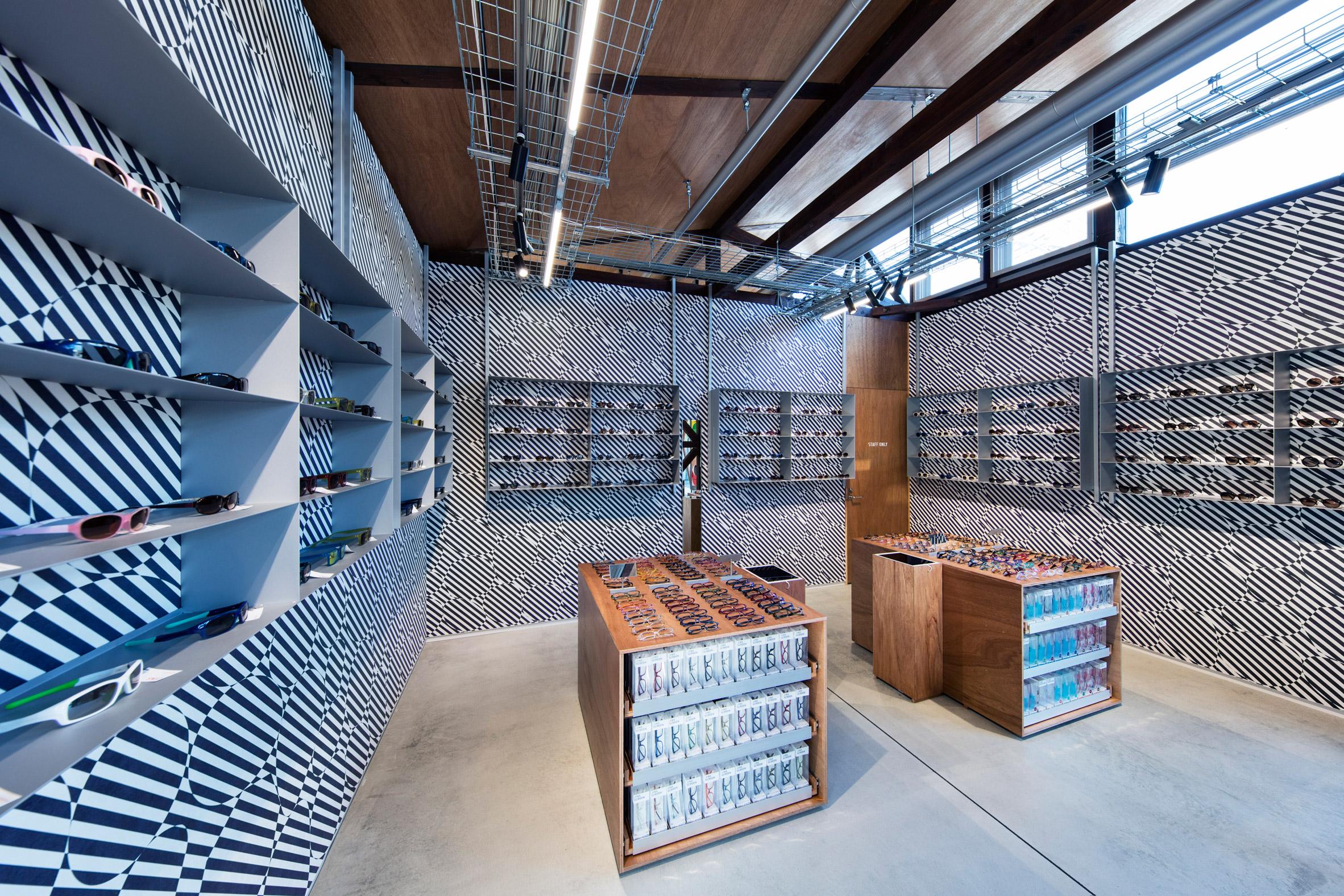 jins-eyeware-schemata-architects-shop-interior-renovation-ageo-japan_dezeen_2364_col_6