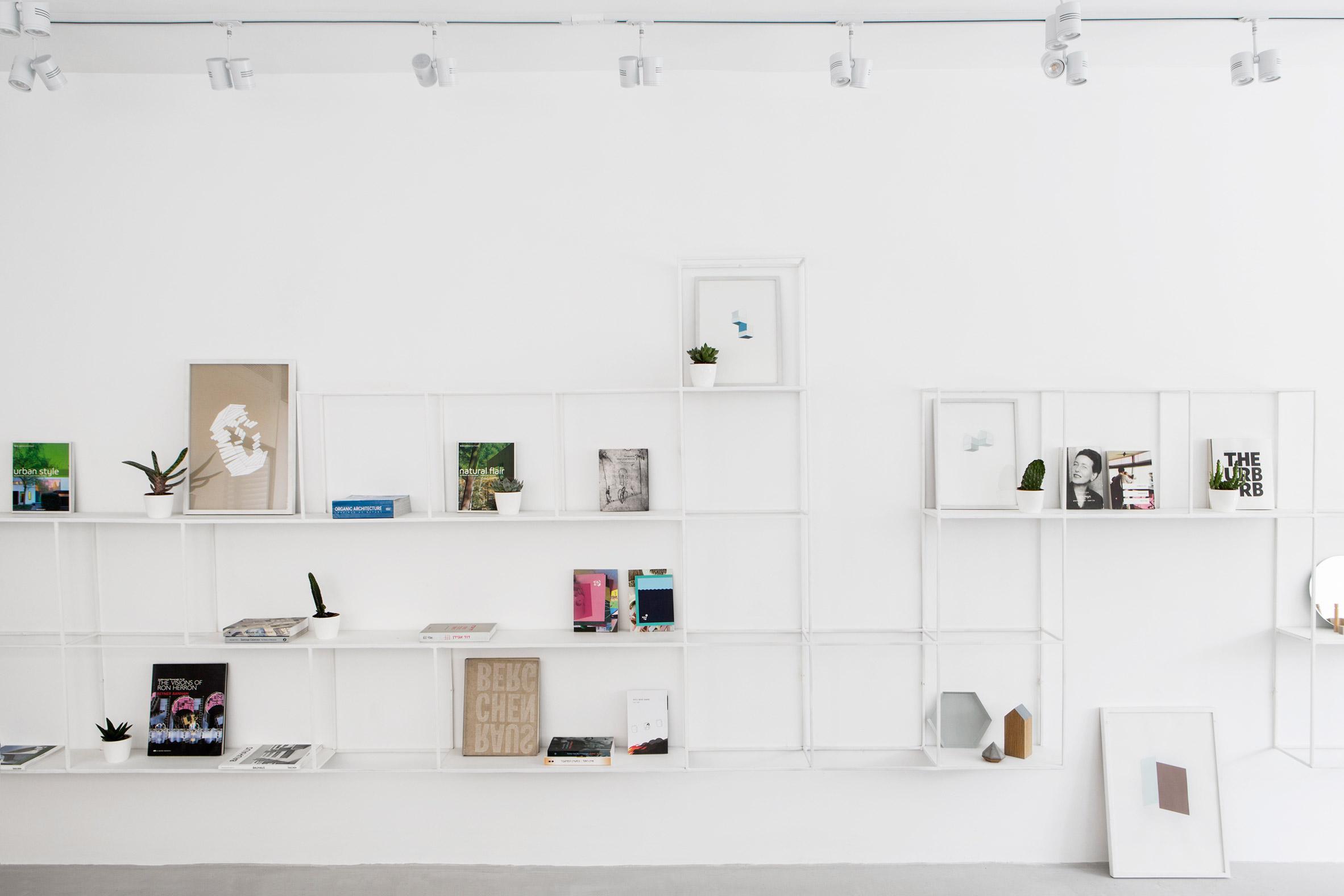minimalist-tel-aviv-apartment-yael-perry-israel_dezeen_2364_col_4
