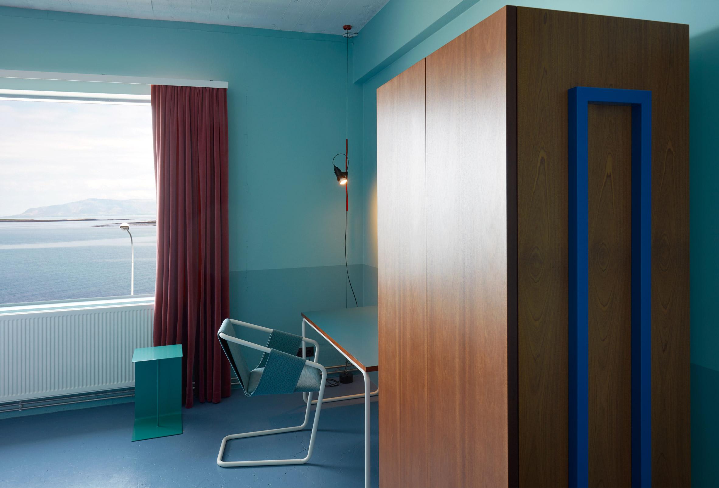 oddsson-hostel-Reykjavik-doolur-iceland_dezeen_2364_col_0