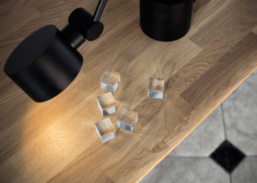 tom-dixon-office-furniture-tables-chairs-lights-accessories-british-design-london-uk_dezeen_2364_ss_10-852x608