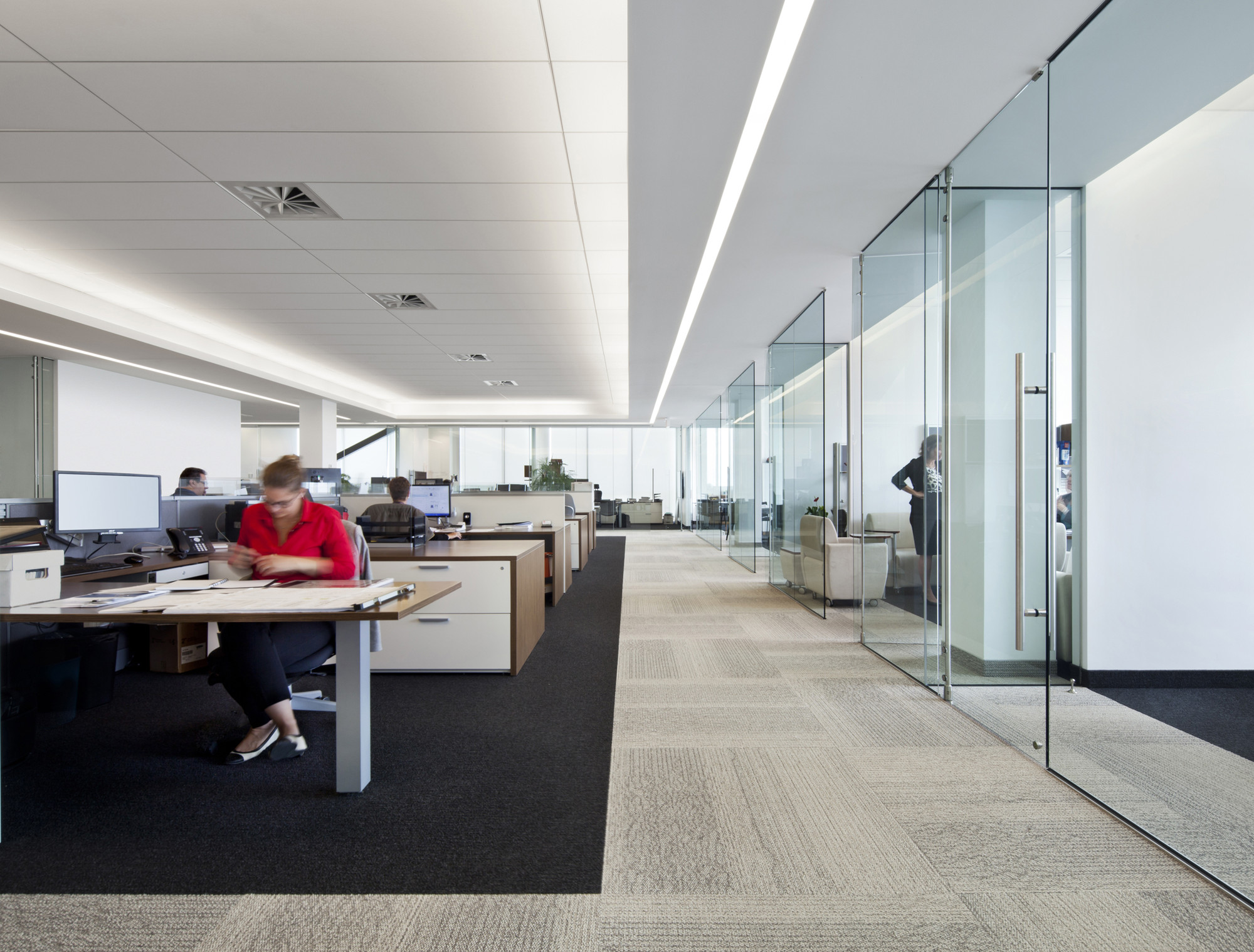 1321_Broccolini_Office_08_archdaily
