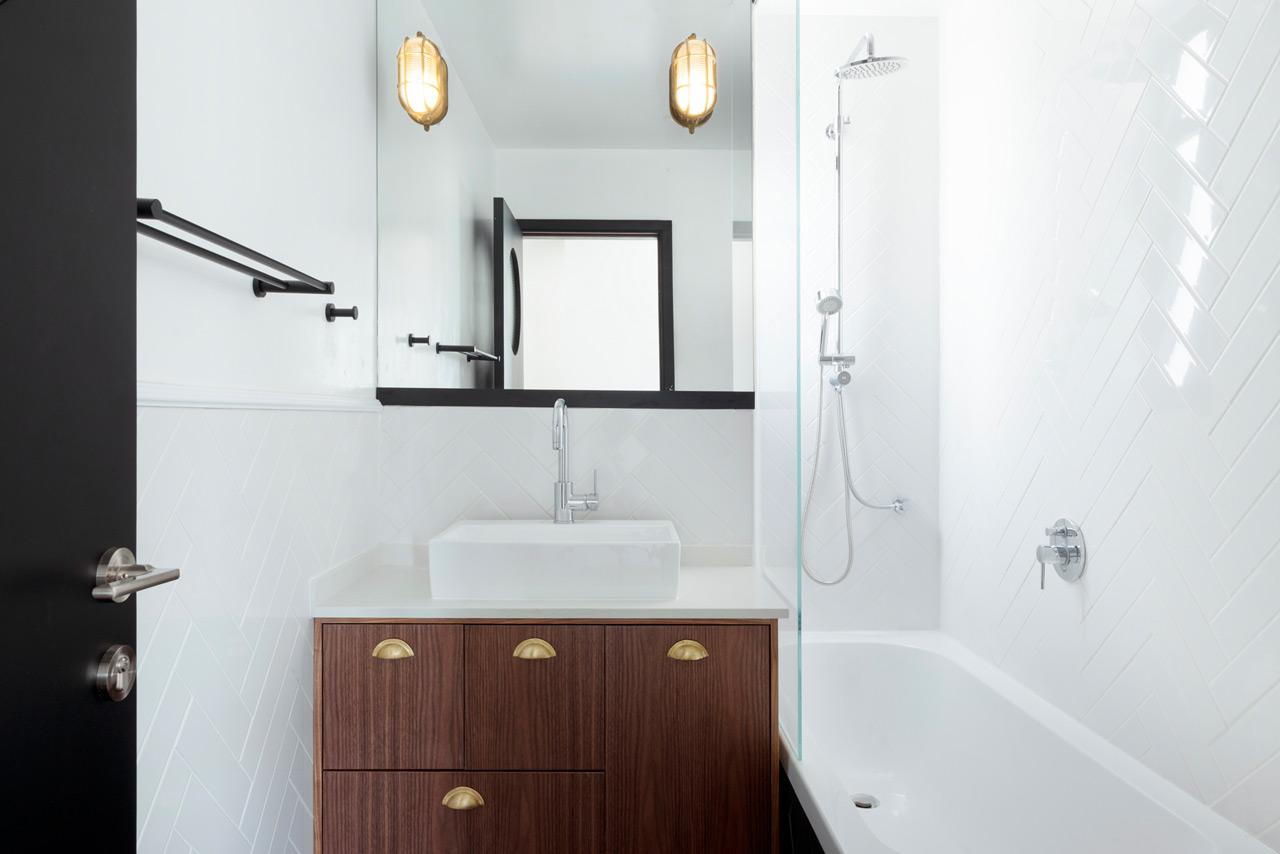 Bauhaus-Apartment-Raanan-Stern-14