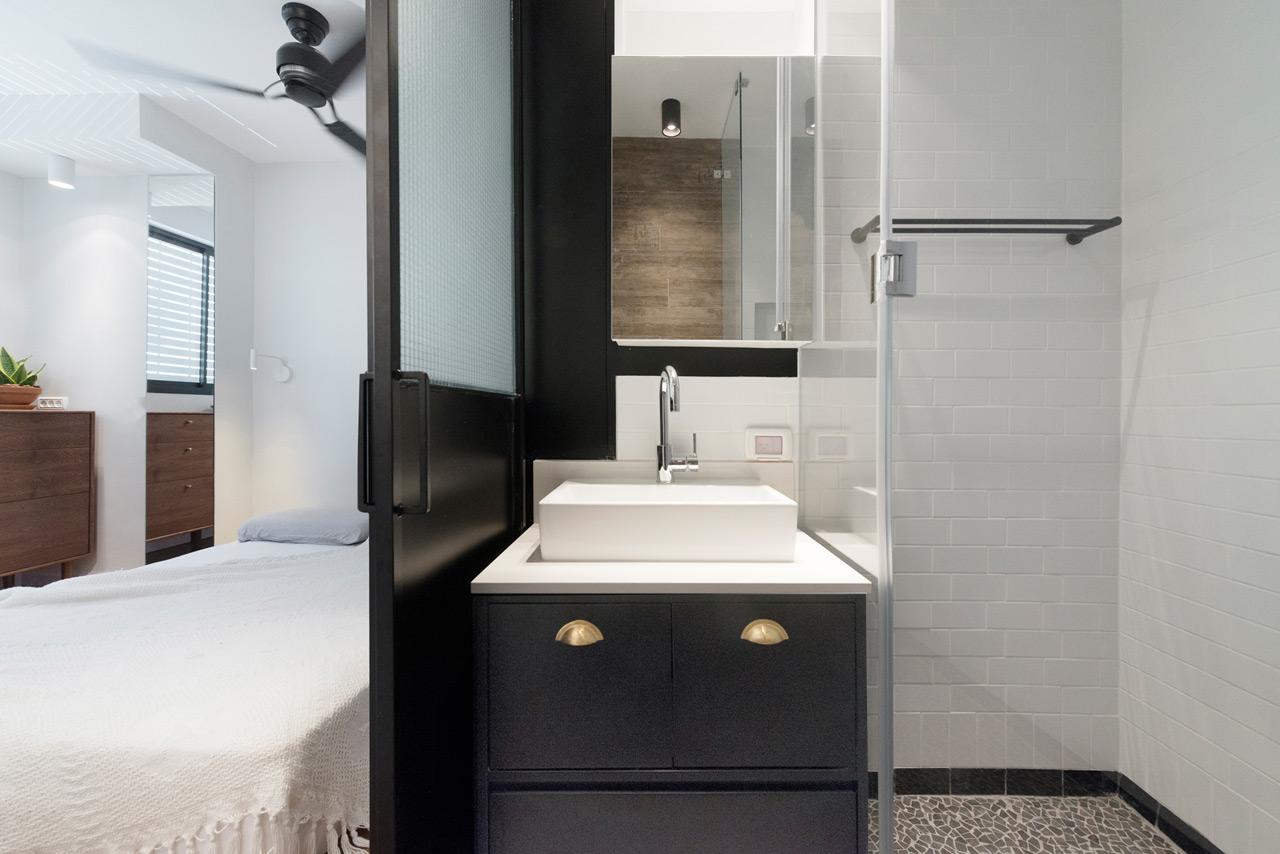 Bauhaus-Apartment-Raanan-Stern-17