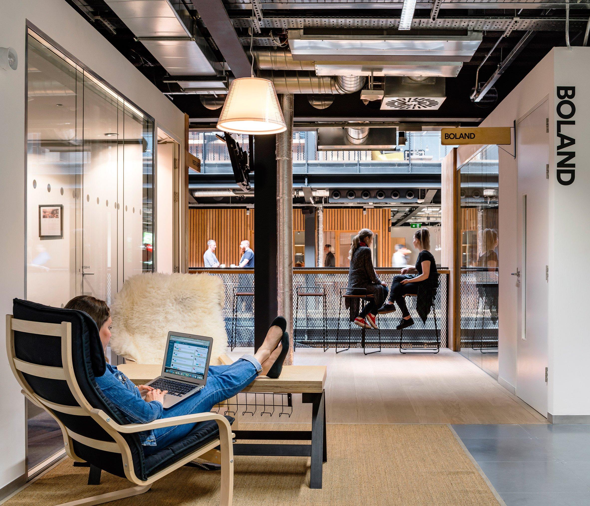 airbnb-dublin-office-interiors-ireland-offices_dezeen_2364_col_17