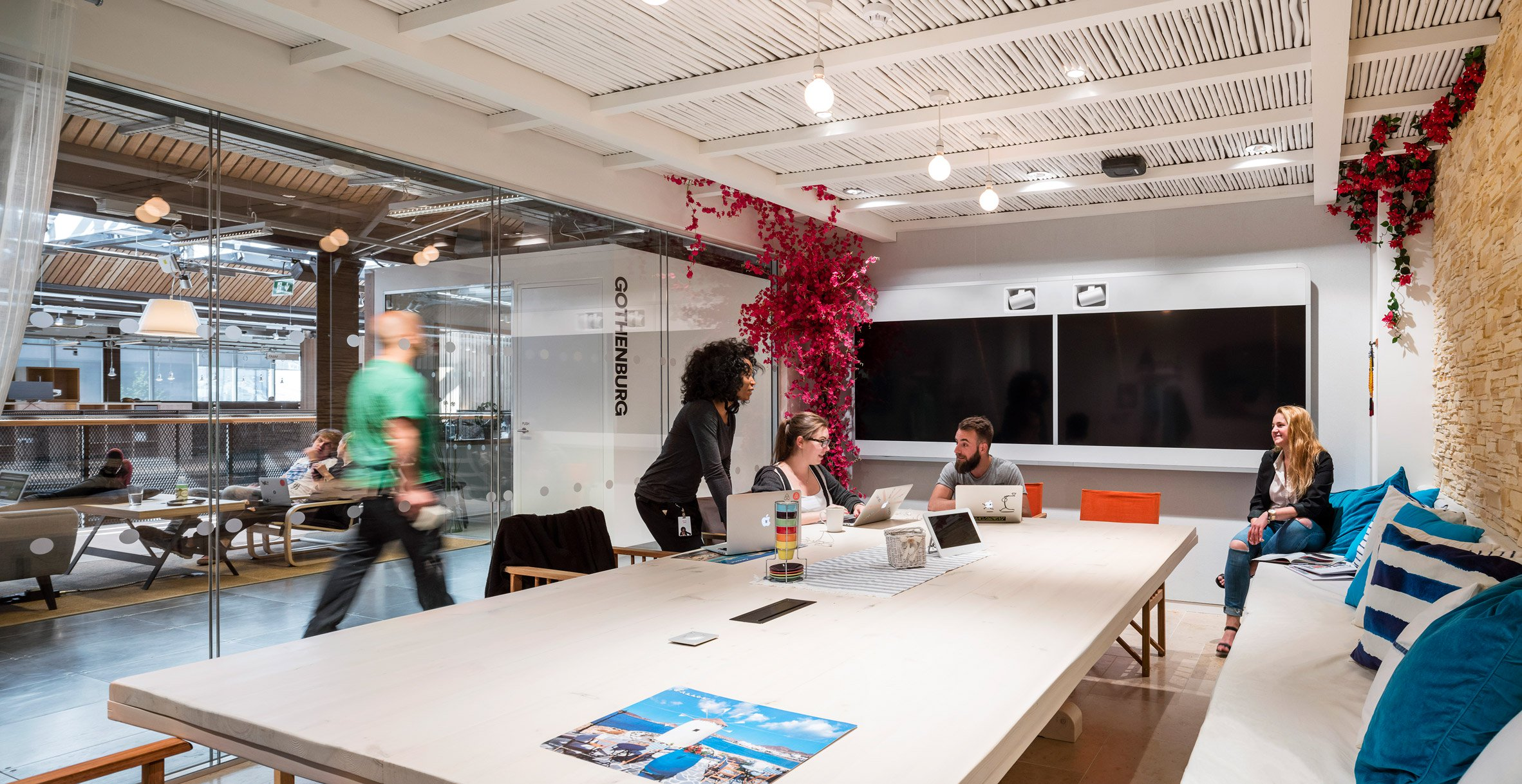 airbnb-dublin-office-interiors-ireland-offices_dezeen_2364_col_28