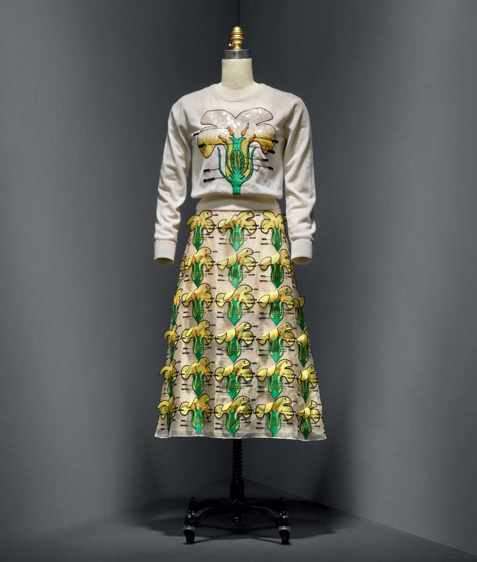 christopher-kane-manus-x-machina-fashion-exhibition-met-nyc_dezeen_936_8