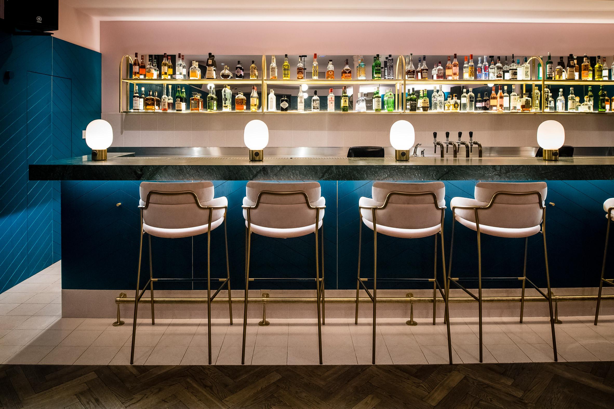 clerkenwell-grind-biasol-restaurants-bars-interiors-london-uk_dezeen_2364_col_4