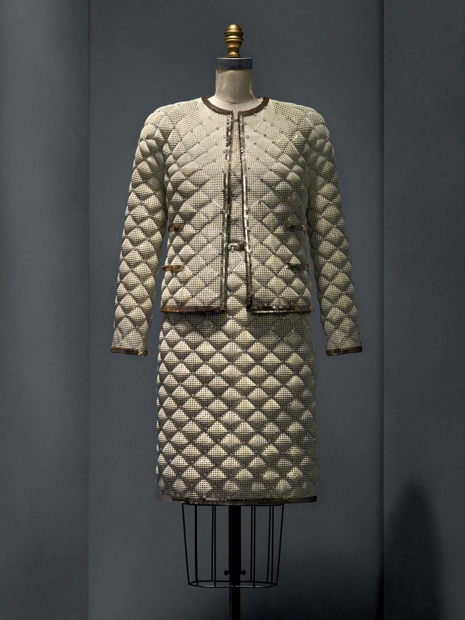ensemble-karl-lagerfeld-manus-x-machina-fashion-exhibition-met-nyc_dezeen_936_1