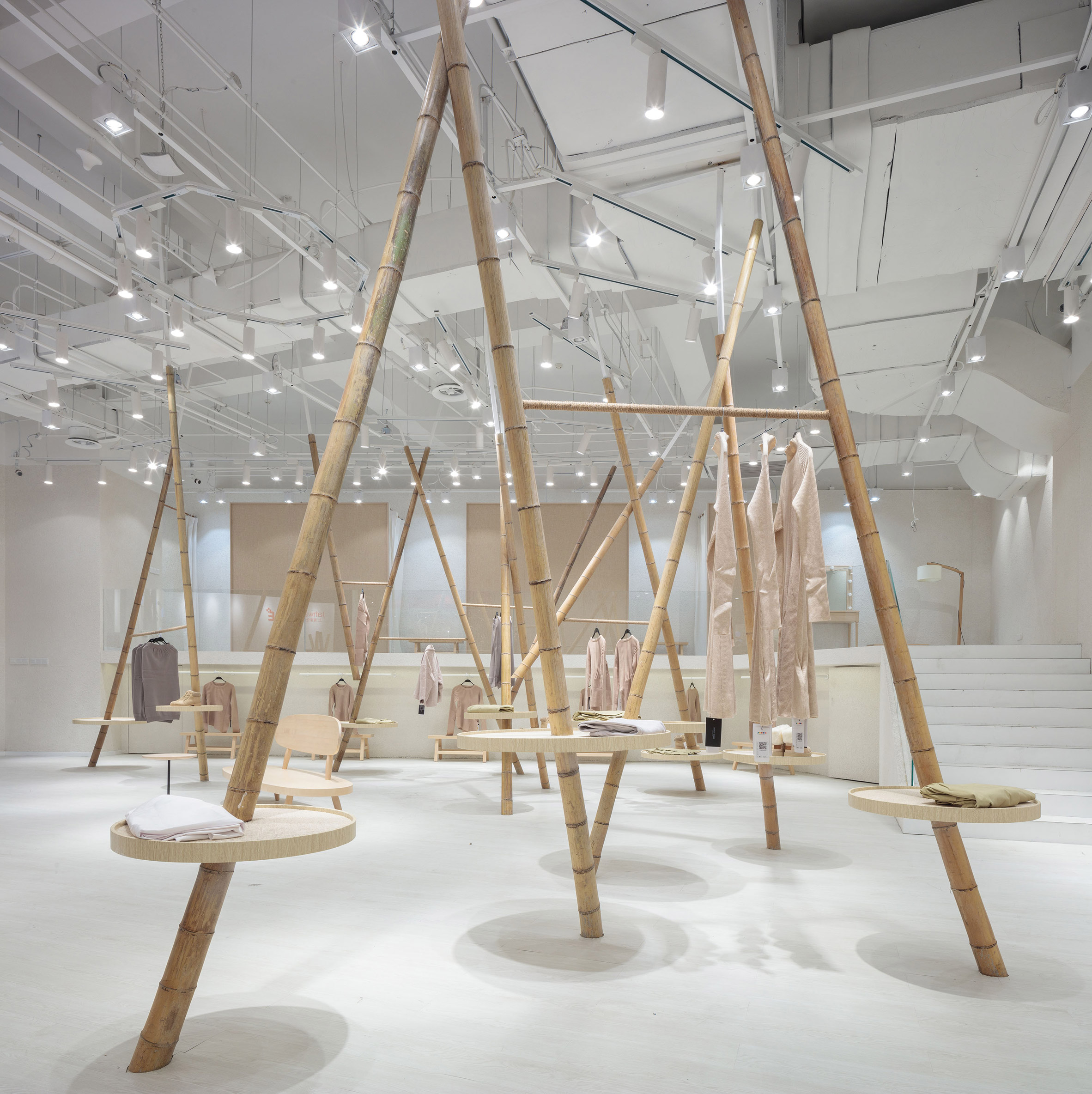 jooos-fitting-room-li-xiang-interiors-retail-china_dezeen_2364_col_11