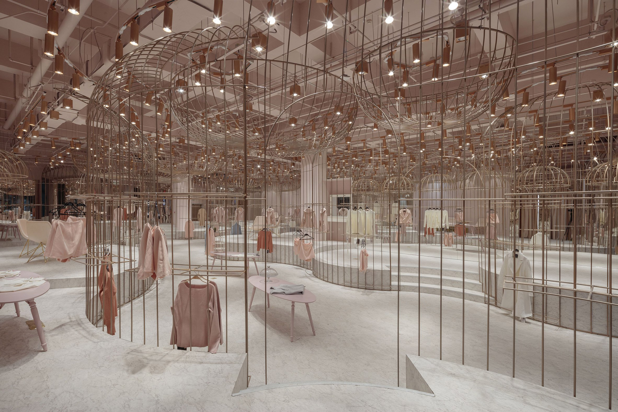jooos-fitting-room-li-xiang-interiors-retail-china_dezeen_2364_col_13