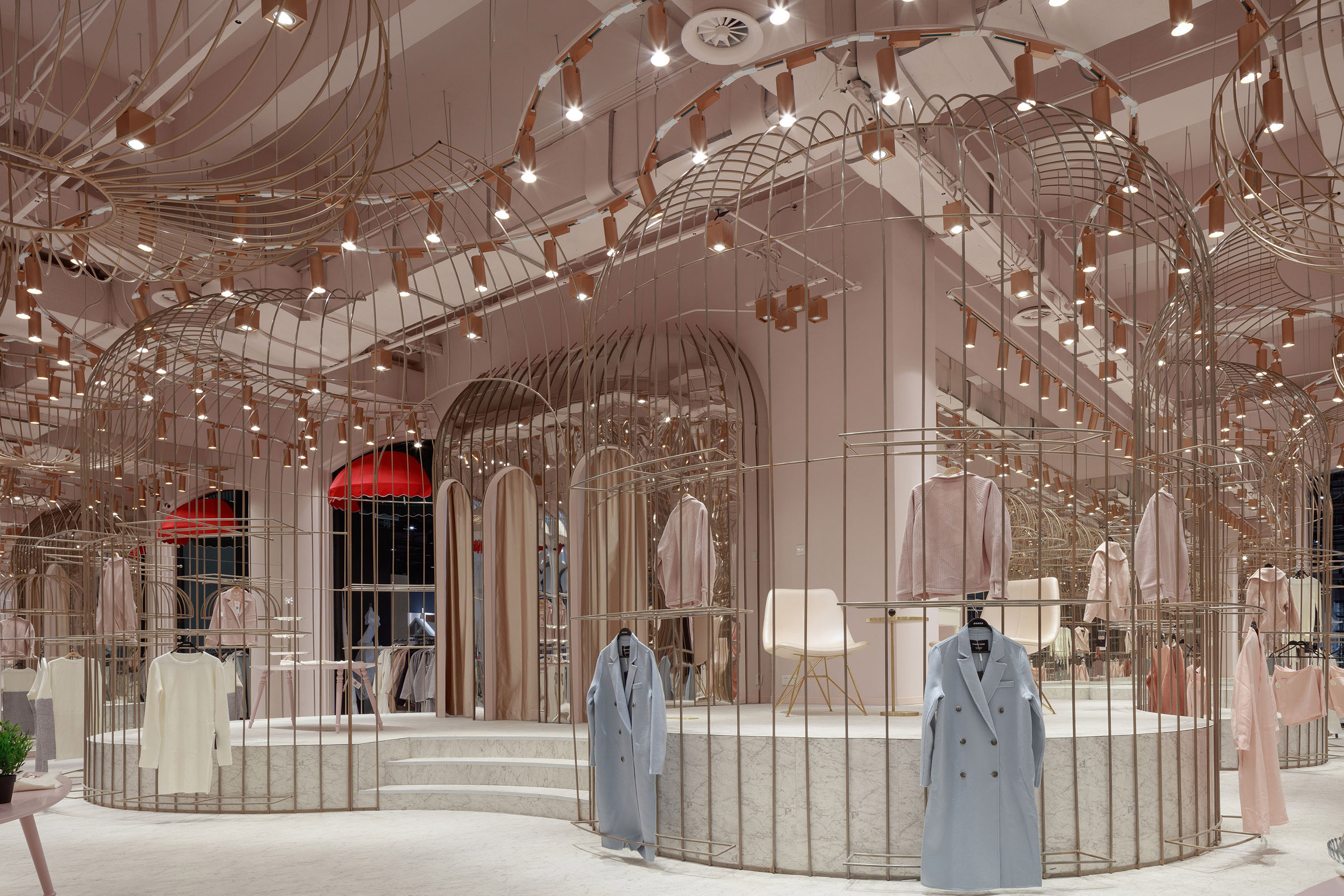 jooos-fitting-room-li-xiang-interiors-retail-china_dezeen_2364_col_19