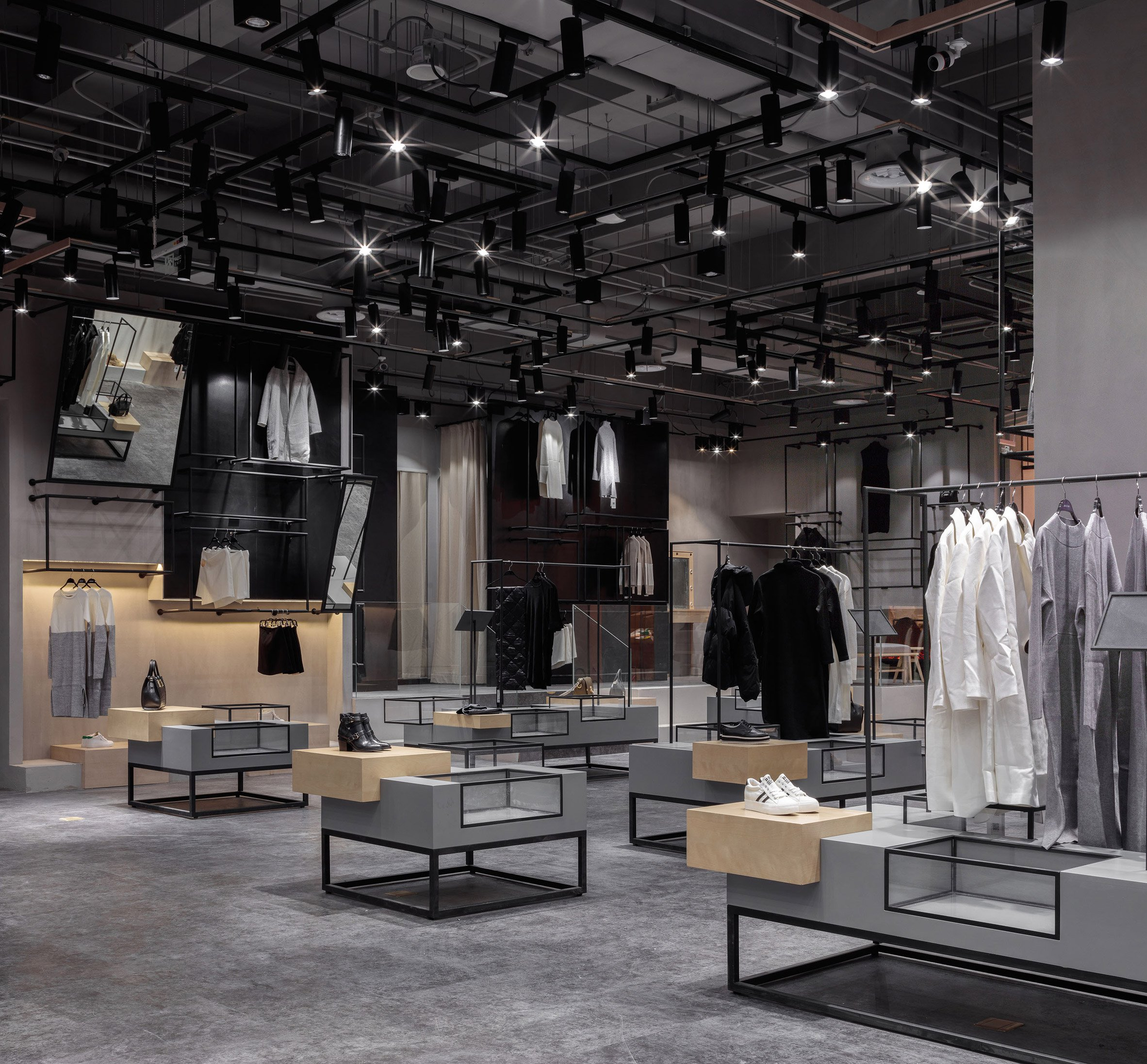 jooos-fitting-room-li-xiang-interiors-retail-china_dezeen_2364_col_26