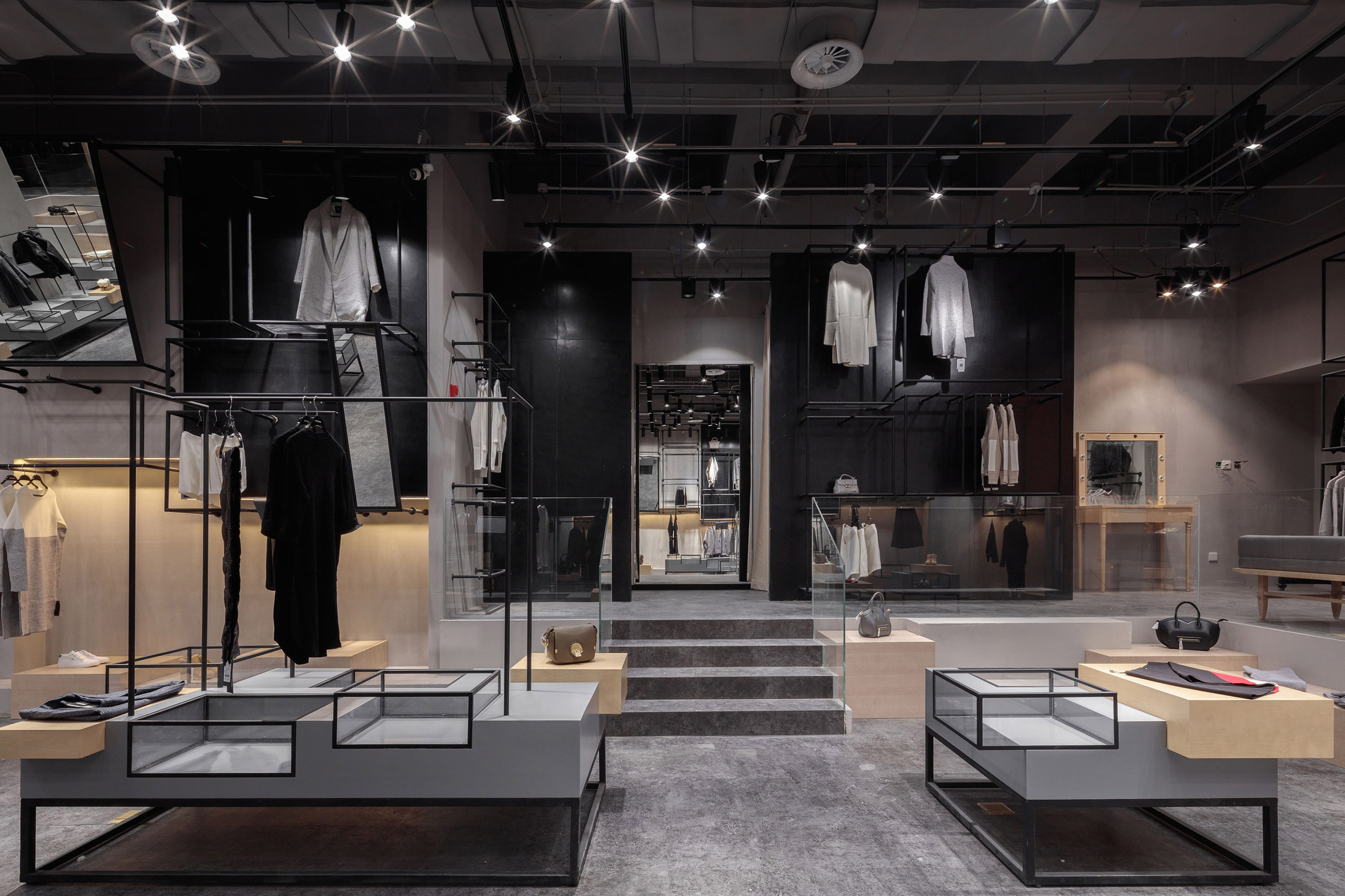 jooos-fitting-room-li-xiang-interiors-retail-china_dezeen_2364_col_28