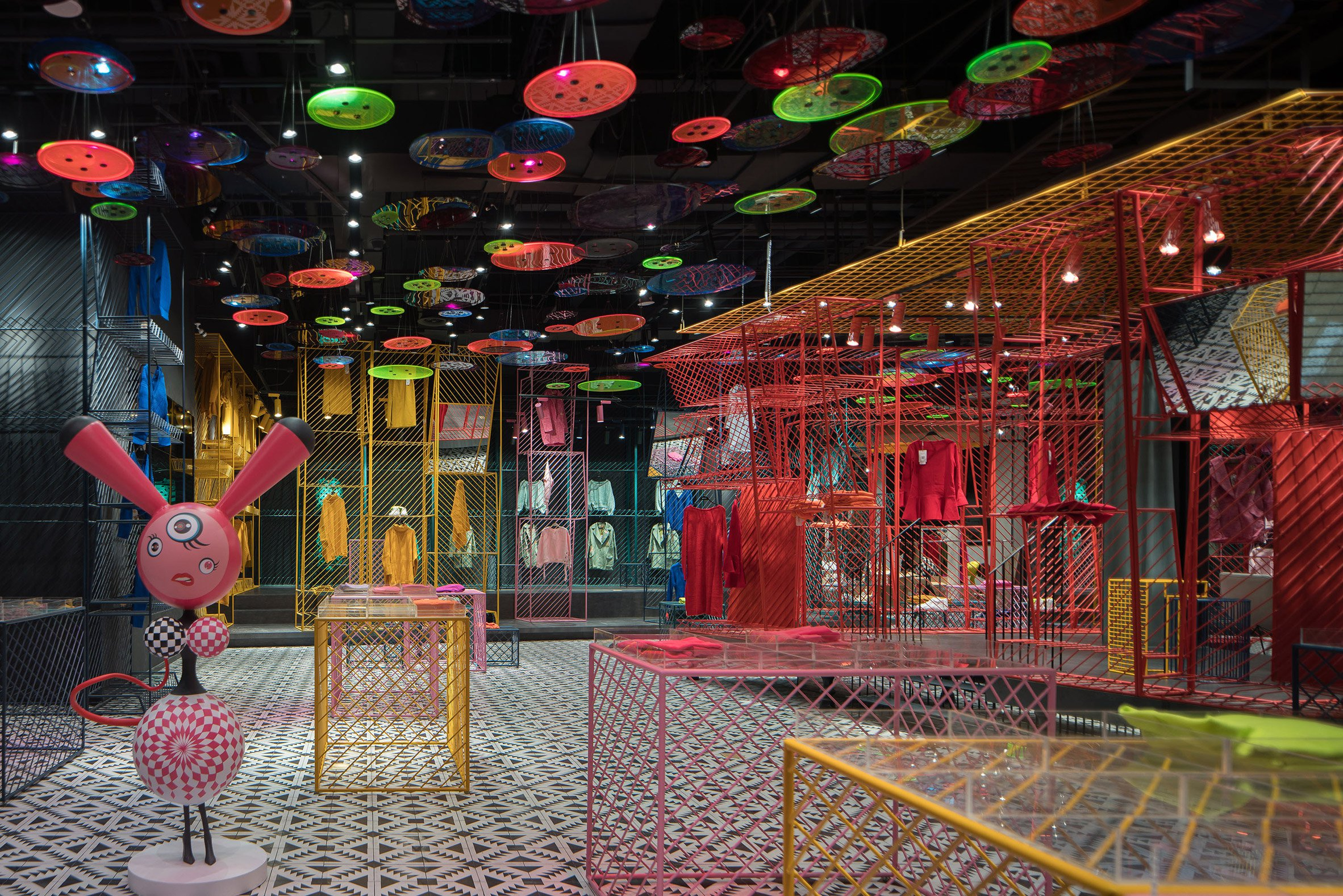 jooos-fitting-room-li-xiang-interiors-retail-china_dezeen_2364_col_4