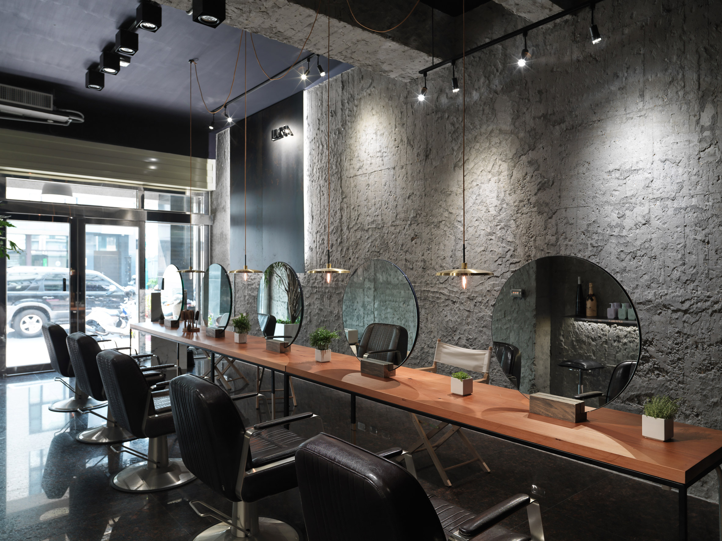 luna-salon-soar-design-interiors-changhua-taiwan_dezeen_2364_col_4
