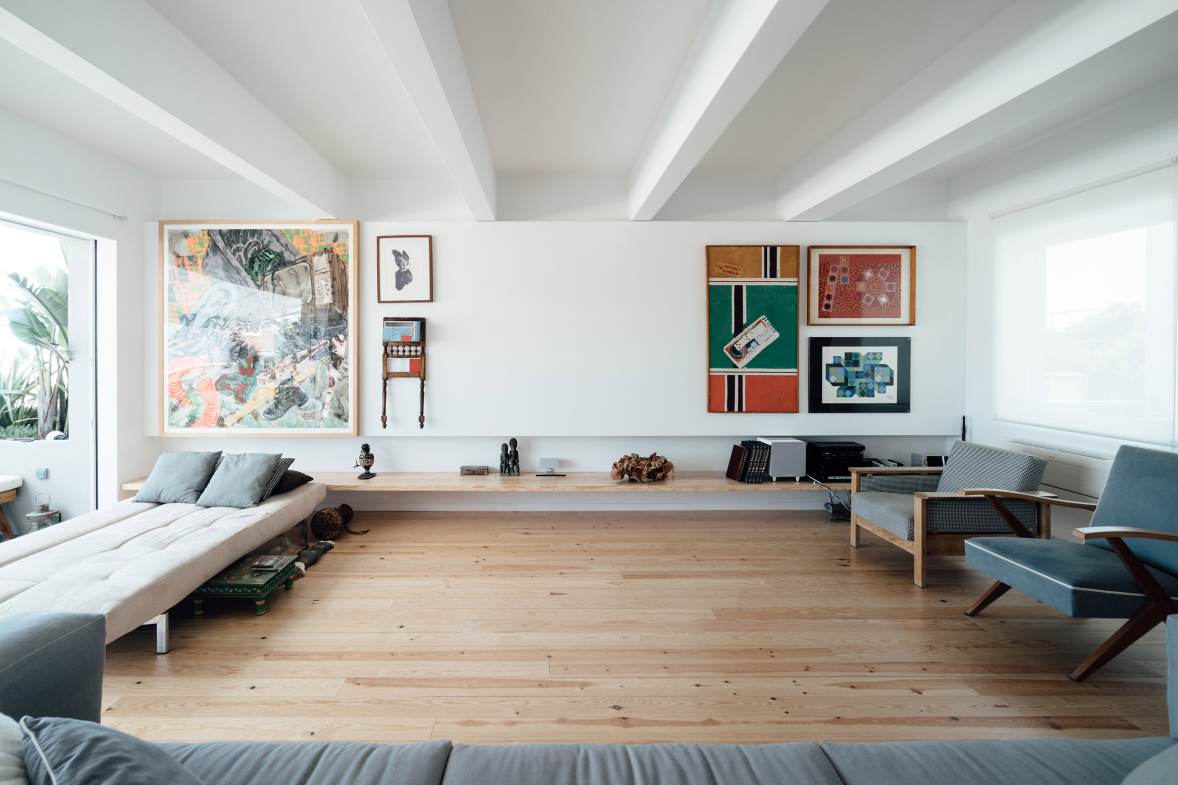 b-a-apartment-atelier-data-apartment-interiors-lisbon-portugal_dezeen_2364_col_3