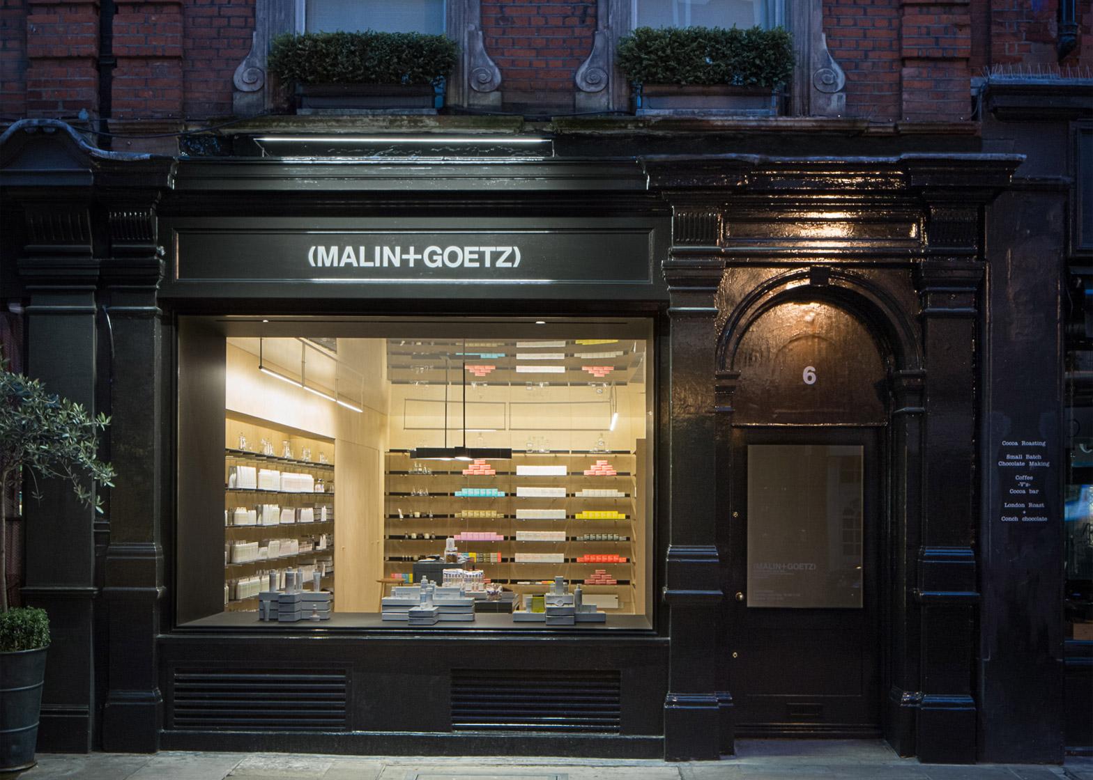 malingoetz-apothecary-shops-jonathan-tuckey-interior-london_dezeen_1568_3