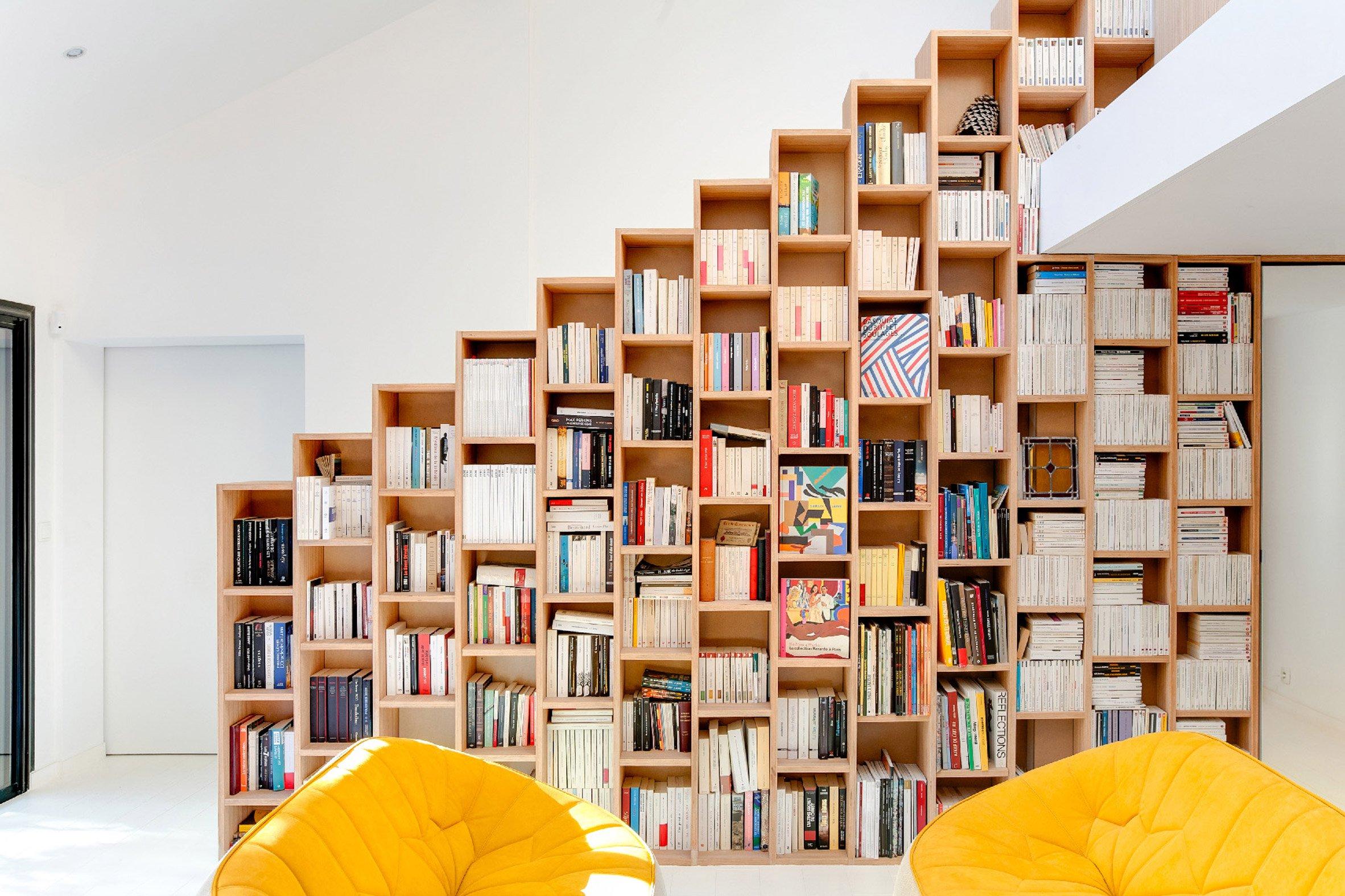 bookshelf-house-andrea-mosca-interior-paris-_dezeen_2364_col_5