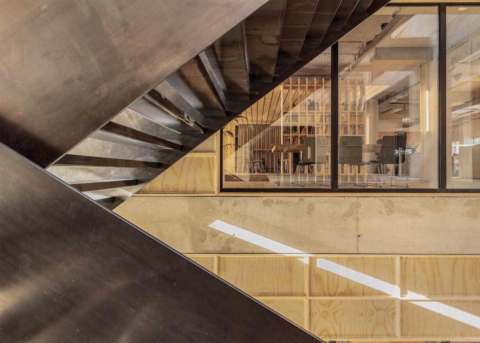 de-alliantie-headquarters-studio-nine-dots-lucent-industrial-site-hilversum-netherlands-peter-cuypers_dezeen_1568_011