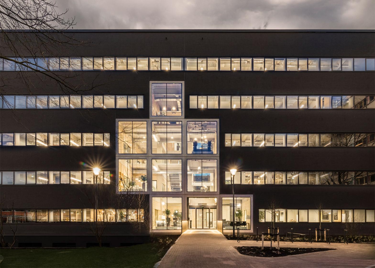 de-alliantie-headquarters-studio-nine-dots-lucent-industrial-site-hilversum-netherlands-peter-cuypers_dezeen_1568_81