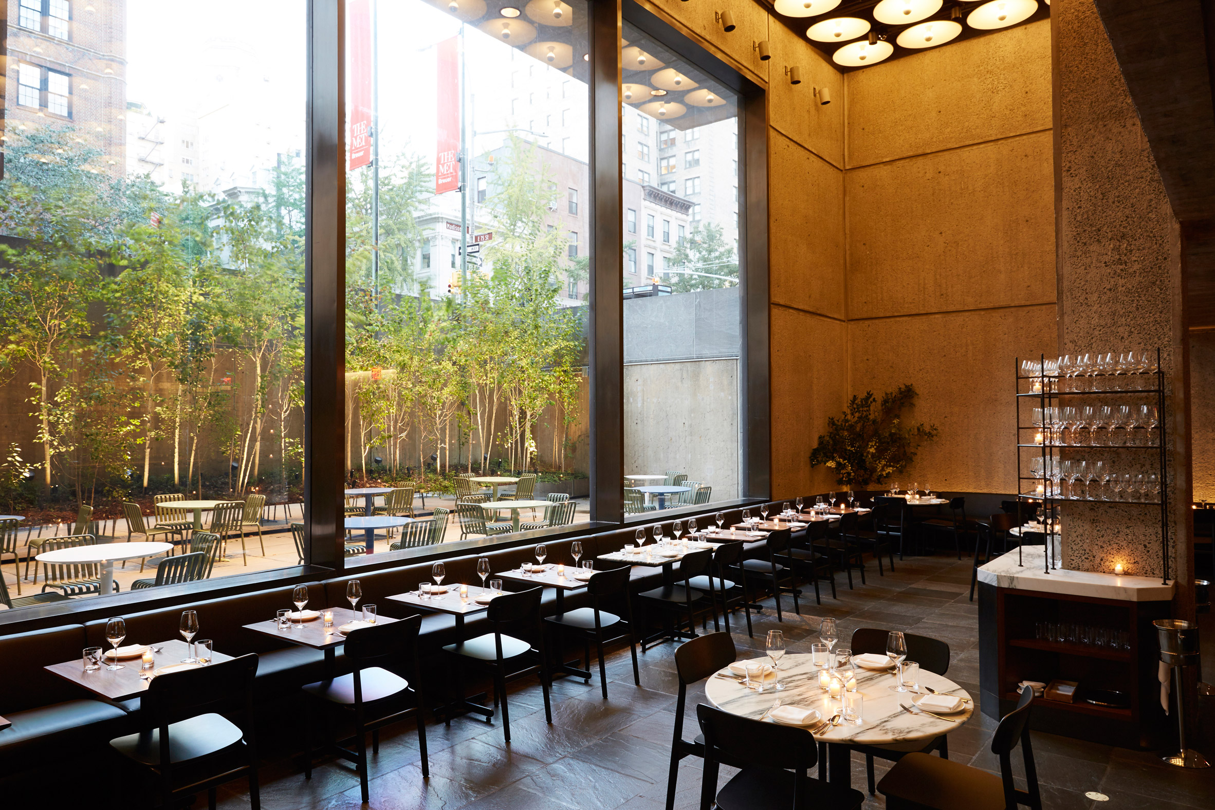 flora-bar-cafe-restaurant-interior-design-beyer-blinder-belle-met-breuer-new-york-city-usa_dezeen_2364_col_6
