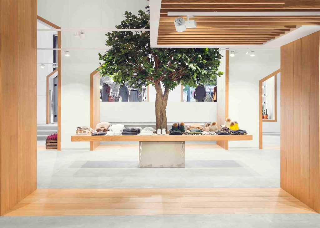 sketch-concept-store-pauzarq-arquitectos_dezeen_2364_slideshow_0-1024x732
